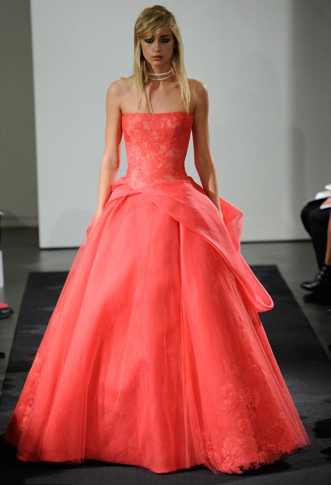 Vera wang autumn fall wedding dress collection atrousseau for Vera wang 2014 wedding dress